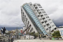 中国のコロナ感染者を隔離したホテル、偶然にも崩壊してしまう