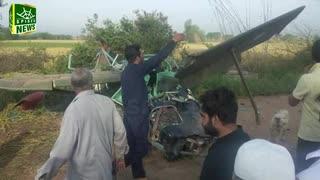 【パキスタン】軍用機が墜落し、ウマル少