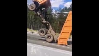 【閲覧注意】激しい事故動画47