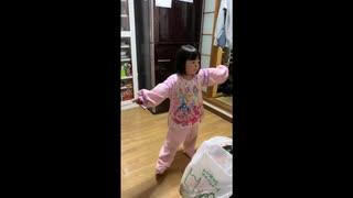ベビーメタルの紅月を5歳の姪が初聴きで踊ってみた