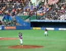 はじける一塁コーチ・ギャオス内藤(2008/12/13千葉マリン)