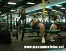 高重量トレーニングに挑む男たち