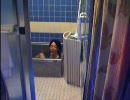 風呂に入る愛王
