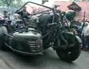 「バイクに戦車のエンジン搭載してみた」