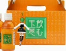 阿久女イクさんが良くわからないジュースを販売中
